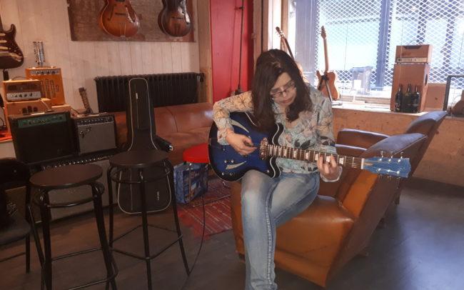 Stage#25 type Quart de caisse 2018 de Patricia - Hervé BERARDET Artisan Luthier, atelier Guitare et Création