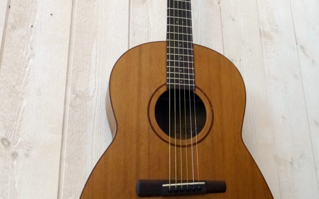 SANZEN Guitare Cordes Acier - Hervé BERARDET Artisan Luthier, atelier Guitare et Création