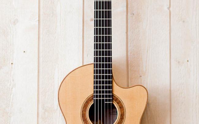 MÂYÂ - Guitare Classique Pan Coupé électro-Acoustique