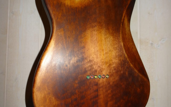 Custom Strato by Hervé BERARDET Artisan Luthier, atelier Guitare et Création à Bordeaux