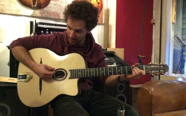 Stage#12 - type Jazz Manouche en 2014 de Manu chez Hervé BERARDET Artisan Luthier, atelier Guitare et Création