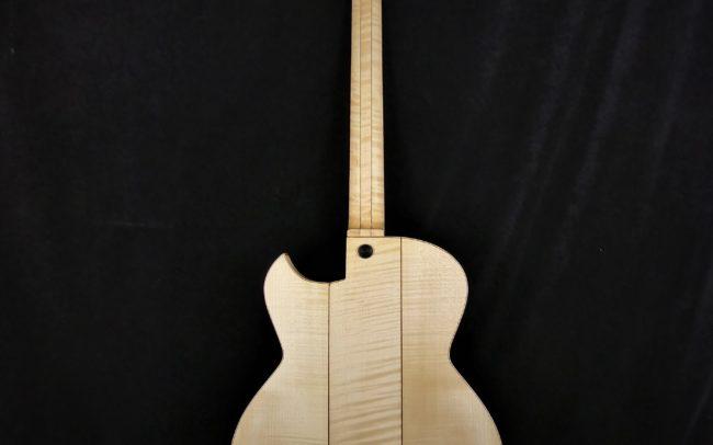 Guitare Osiris, Guitare Voyageuse et Modulaire - réalisée par Hervé BERARDET Maître Artisan Luthier, atelier Guitare et Création - Tous droits réservés - Tout érable - 2