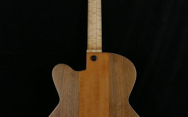 Guitare Osiris, Guitare Voyageuse et Modulaire - réalisée par Hervé BERARDET Maître Artisan Luthier, atelier Guitare et Création - Centre Poirier Côtés Noyer Dos