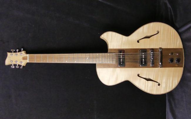 Guitare Osiris, Guitare Voyageuse et Modulaire - réalisée par Hervé BERARDET Maître Artisan Luthier, atelier Guitare et Création - Tous droits réservés - Manche Droitier-Gaucher en cours 14