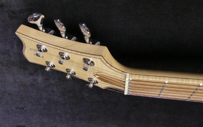 Guitare Osiris, Guitare Voyageuse et Modulaire - réalisée par Hervé BERARDET Maître Artisan Luthier, atelier Guitare et Création - Tous droits réservés - Manche Droitier-Gaucher en cours 13