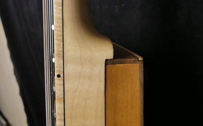Guitare Osiris, Guitare Voyageuse et Modulaire - réalisée par Hervé BERARDET Maître Artisan Luthier, atelier Guitare et Création - Tous droits réservés - Manche Droitier-Gaucher en cours 12