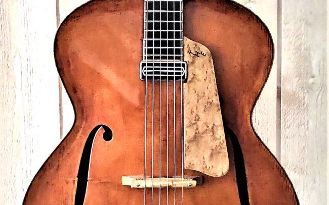 T.H.E. Guitare Jazz Archtop - Modèle Unique réalisée en collaboration avec Luthier du Quatuor Tony ECHAVIDRE - Hervé BERARDET Maître Artisan Luthier en Guitares-Caisse