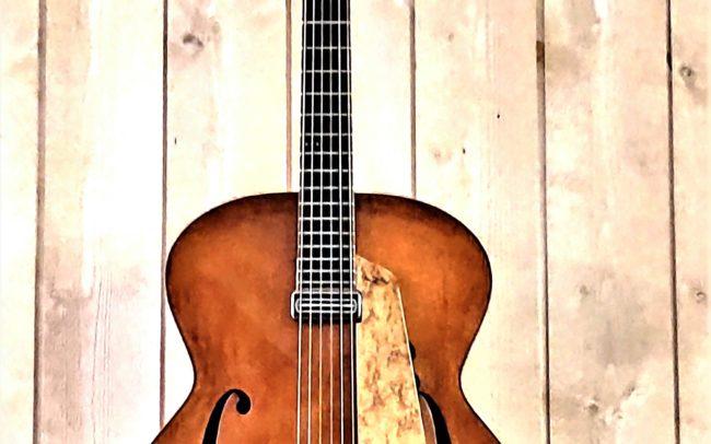 T.H.E. Guitare Jazz Archtop - Modèle Unique réalisée en collaboration avec Luthier du Quatuor Tony ECHAVIDRE - Hervé BERARDET Maître Artisan Luthier en Guitares