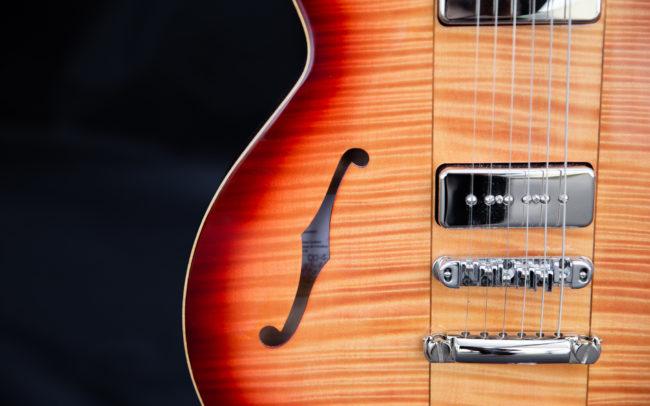 Guitare Osiris DC, Guitare Voyageuse et Modulaire - réalisée par Hervé BERARDET Maître Artisan Luthier, atelier Guitare et Création - Tous droits réservés @laetitiam.photography - En 2 parties