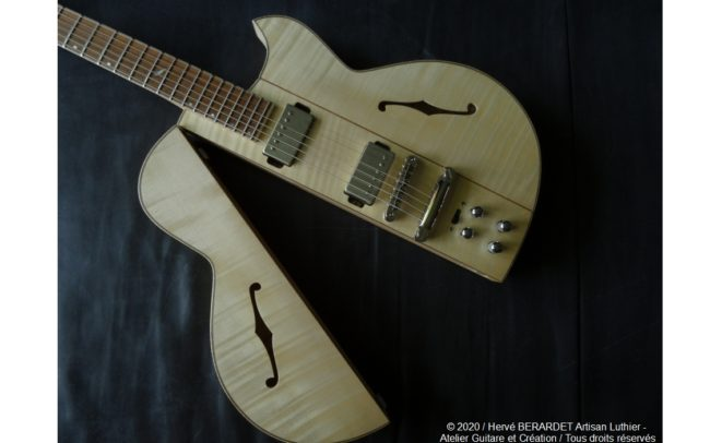 Osiris, Guitare Voyageuse et Modulaire - réalisée par Hervé BERARDET Artisan Luthier, atelier Guitare et Création - en décroché