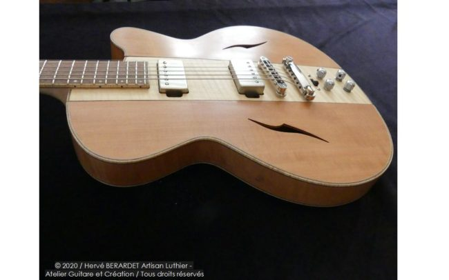 Osiris, Guitare Voyageuse et Modulaire - réalisée par Hervé BERARDET Artisan Luthier, atelier Guitare et Création